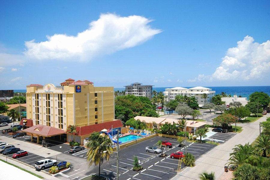 aerial view of Comfort Inn Oceanside Deerfield Beach